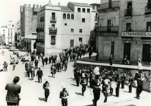 Corporacion MUnicipal 1965 desdela Concaqtedral al Ayto (G. Recuero). NO ERES DE CC