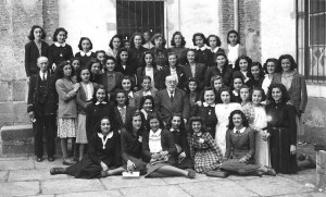 el brocense alumnas 1943 con don arturo merino. ies brocense