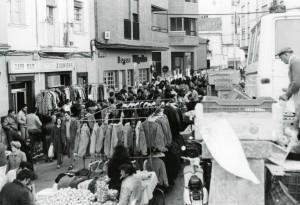 mercado camino llano luis montes
