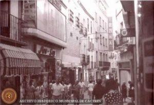 Calle pintores la mas popular de caceres - Pintores en caceres ...