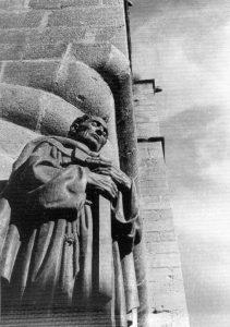caceres.estatuadelescultorperezcomedador.antiguoplangeneral1961