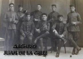 Soldados del Regimiento Segovia 75, a principio de los años 20, en Cáceres.