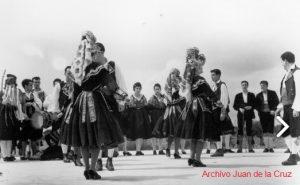 """""""EL PERANTON"""" (1961) POR LOS COROS Y DANZAS DE SECCION FEMENINA"""