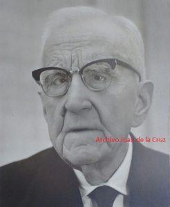 MANUEL CASTILLO QUIJADA, DIRECTOR DEL INSTITUTO, CON CALLE EN CACERES