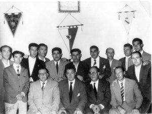 Secundino Carballo con la directiva del Club Deportivo Cacereño.