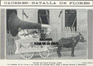 """Carroza """"El Fonógrafo"""", que obtuvo el primer premio en la Batalla de Flores de las Ferias de Cáceres, 1913."""