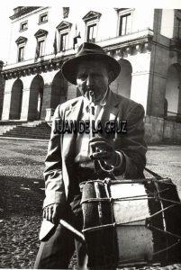 TAMBORILERO EN CACERES (JAVIER. AÑOS 60)