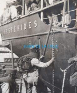 SOLDADOS CACEREÑOS EMBARCANDO HACIA LA GUERRA DE MARRUECOS (1921)