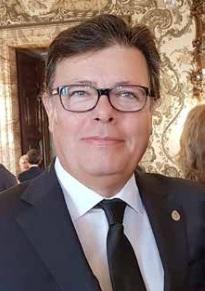 Juan Carlos Bravo García, autor del libro y presidente del Orfeón Cacereño.