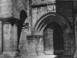 La iglesia cacereña de Santiago de los Caballeros.
