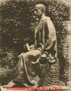Fotografía aparecida en 1926 en el diario ABC, en el día de la inauguración del Monumento.