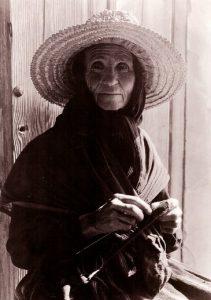 Mujer de Cañamero, 1928, fotografía de Ruth Matilda Anderson.