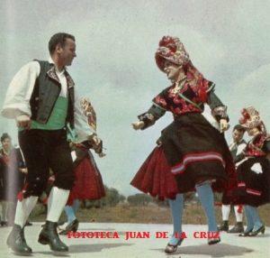 Pepi Suarez y un bailador del Grupo. 1961